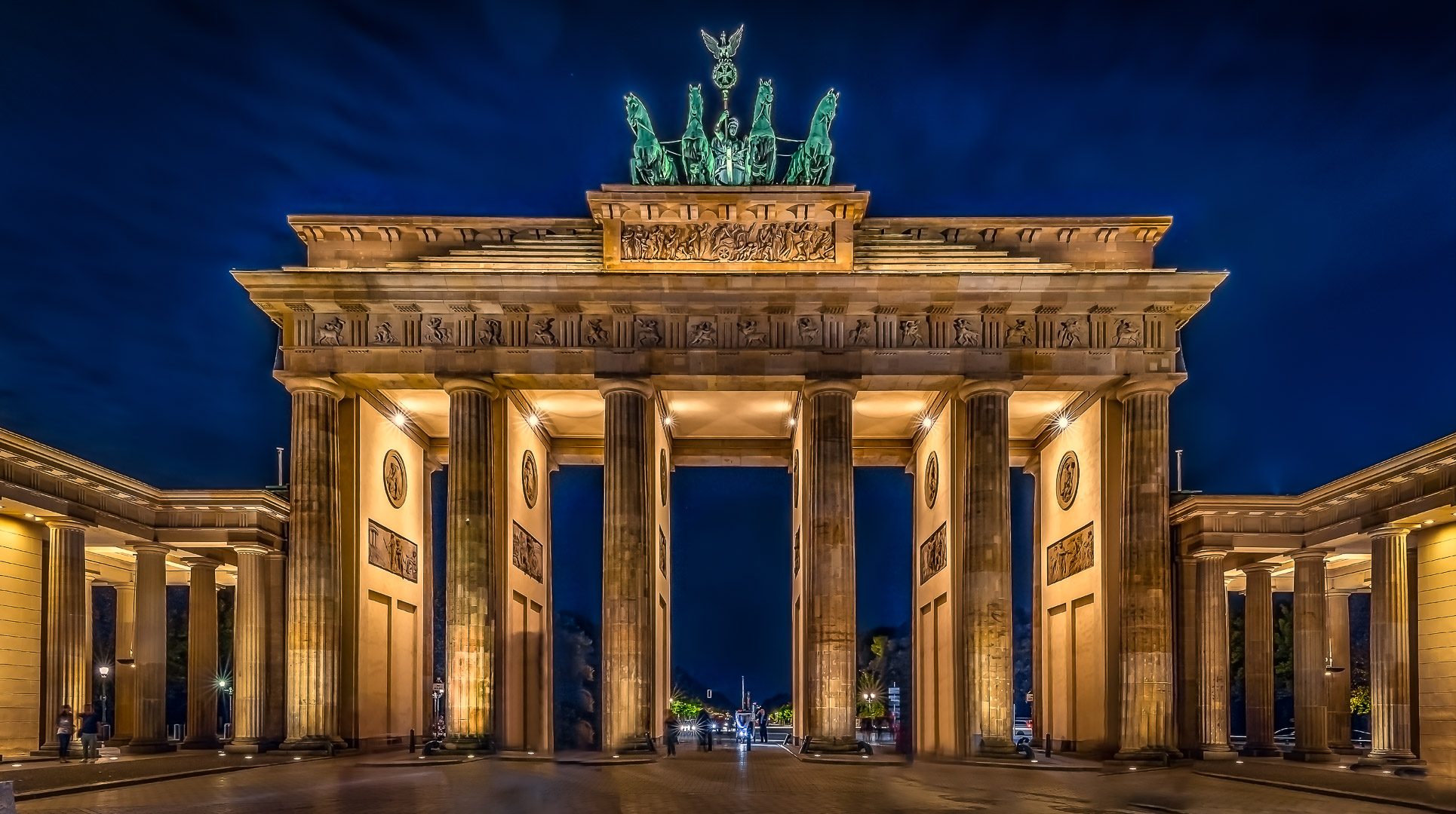 Brandenburger Tor bei Nacht / at night